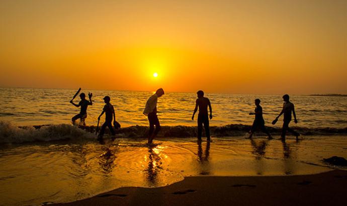 Children playing at the beach in Mumbai