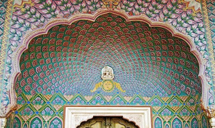 close up of paintings at the city palace musuem in Jaipur