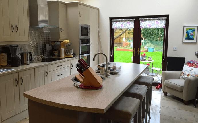 Host Cathy's kitchen