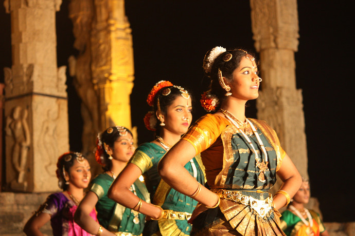 Traditional Tamil dancers