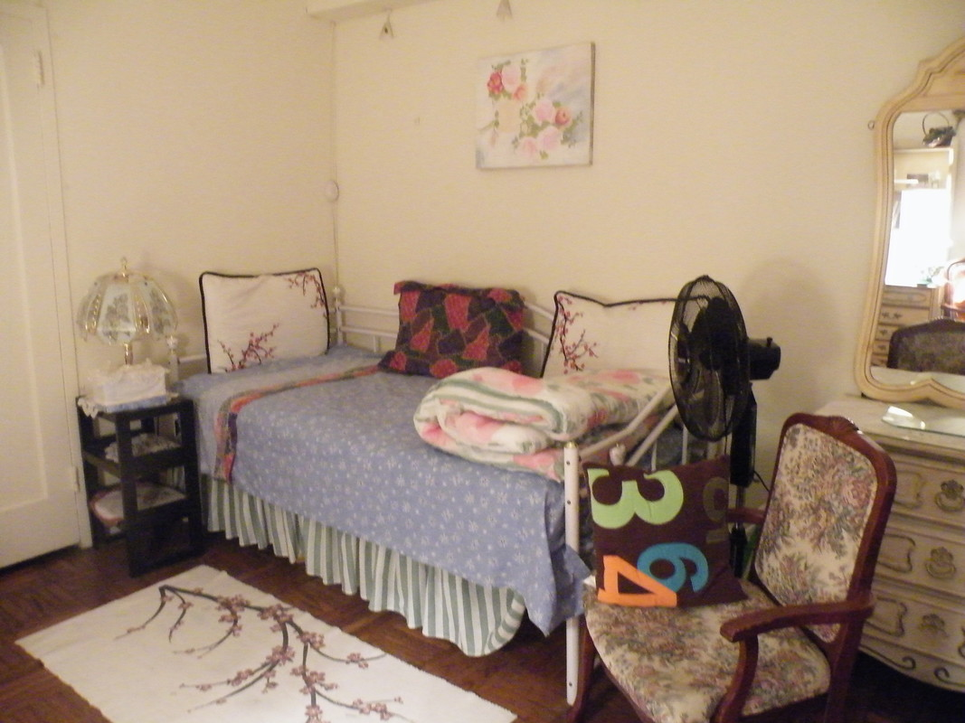 1 room ***ONLY FEMALE GUESTS***