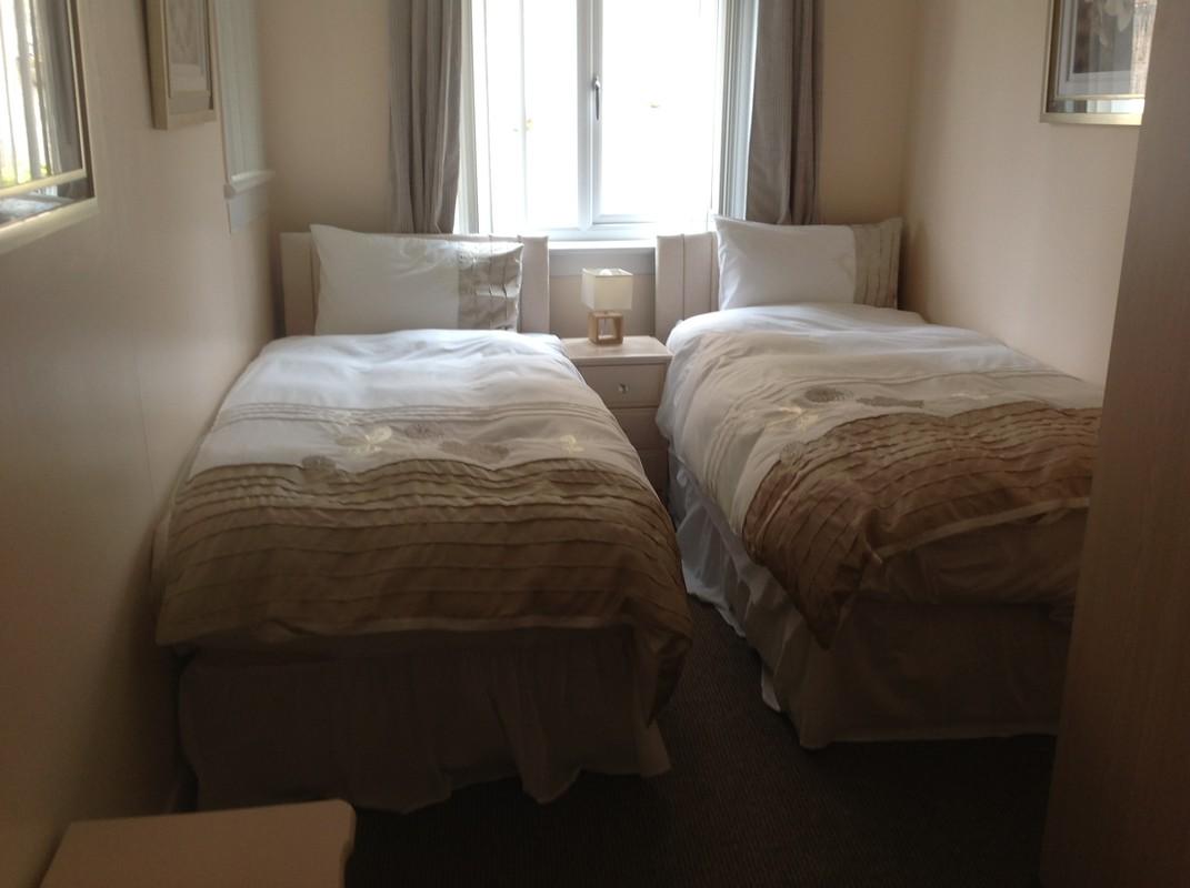 1Twin Room