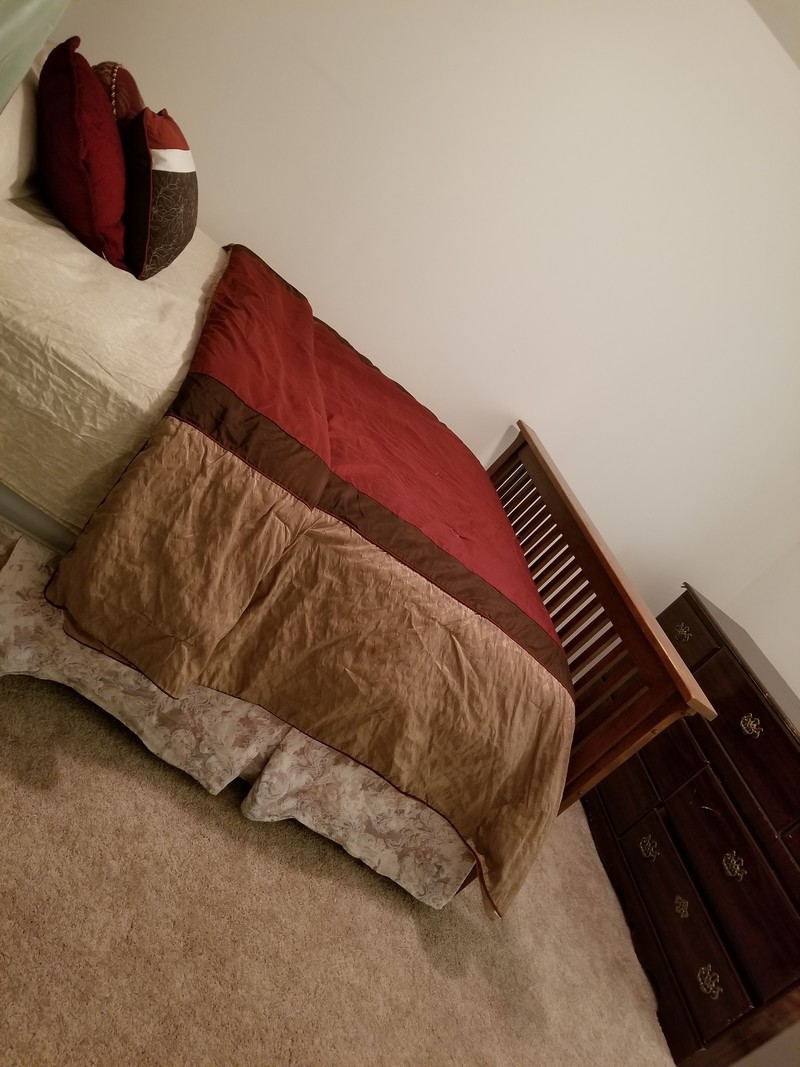 Room 3 queen size bed