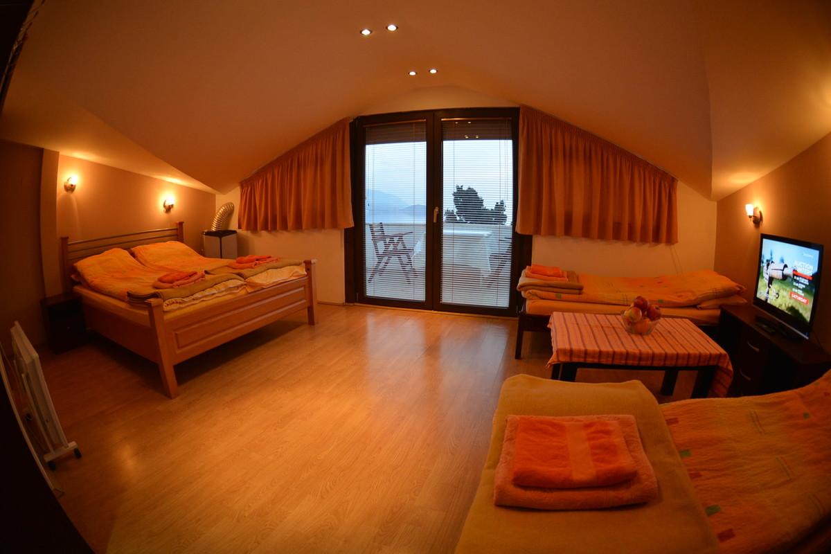 Romantic Studio with Lake View