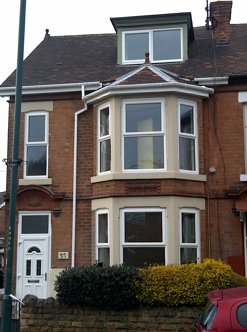 CLEAN FAMILY HOME IN CITY CENTRE