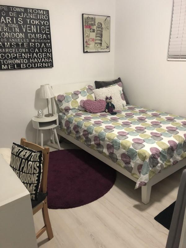 Room 1 - Travel
