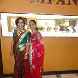 Famiglia a Mihindapura, Trincomalee, Sri Lanka