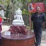 NepalChabahil Near Boudhha and Pasupatinath Temple, Kathmandu的房主家庭