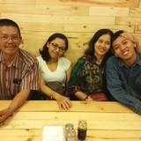 Família anfitriã em Borobudur, Magelang, Central Java, Indonesia
