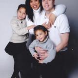 Familia anfitriona en  Royal Gardens , Edmonton, Canada
