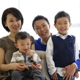 Famiglia a Higashi nakagami station, Tokyo, Japan