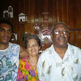 Famiglia a Plaza de la revolución, Havana, Cuba
