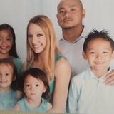 Familia anfitriona en gated community, Fontana, United States