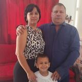 Famiglia a San leopoldo  , La Habana, Cuba
