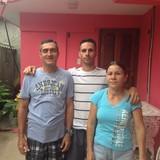 Famiglia a Viñales, Viñales, Cuba