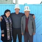 Familia anfitriona en By school, Orgochor, Kyrgyzstan