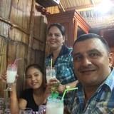 Familia anfitriona en Reparto Luz, Holguín, Cuba