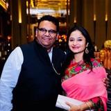 Familia anfitriona en Prince Anwar Shah. South city mall, Kolkata , India
