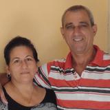 Familia anfitriona en colchonera, Viñales, Cuba