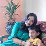 Familia anfitriona en Patuli, Kolkata, India