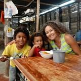 Famiglia a Mancora, Mancora, Peru