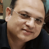 IndiaSector 49, Gurugram的房主家庭
