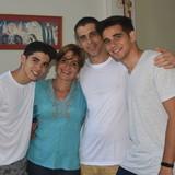 Família anfitriã Ernesto Javier em Havana, Cuba