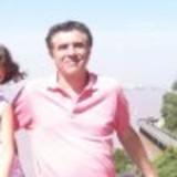 Familia anfitriona en , Zona residencial,muy tranquilo, apto para estudio o trabajo, 300 mts2 ,barbacue, 1 habitacion single en suite , 1 habitacion single/doble con baño privado, sala, comedor , comedor diario,,,,,,,,a metros del Subte A a Plaza de Mayo , y de 5 lineas de bus,  Buenos Aires, Argentina